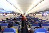 国内飞机上不能用手机成历史 海航东航宣布解禁
