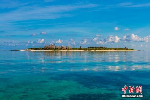 图为美丽的三沙晋卿岛。2012年7月24日,海南省三沙市成为中国最南端的年轻城市,管辖西沙、中沙、南沙的岛礁及其海域,面积200多万平方公里。 <a target='_blank' href='http://www.chinanews.com/'>中新社</a>记者 骆云飞 摄