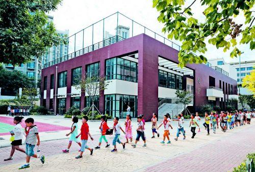 """""""青科速度""""引领新区教育设施升级"""