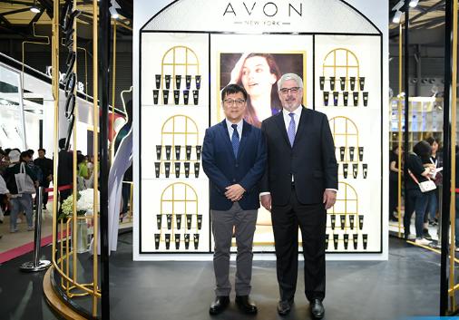 雅芳亚太总裁威廉姆• 拉恩亮相CBE,称2018全面加码中国市场