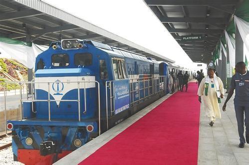 中企承建西非首条城铁正式开通运营