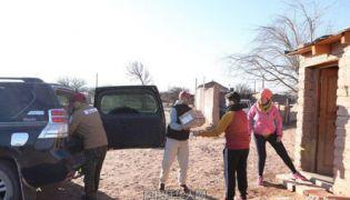 华人爱心车队赴阿根廷山区慰问贫困家庭