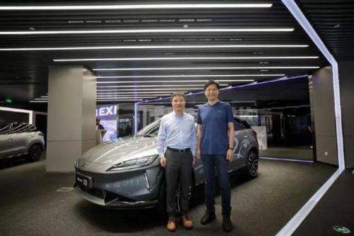 雷军考察小鹏汽车 IPO后的小米终于要造车了?