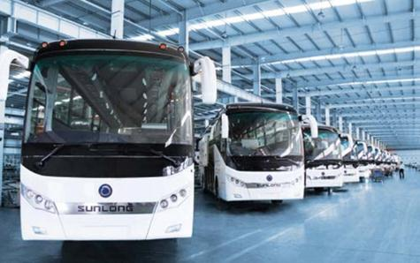 申龙客车生产车间