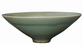 南宋龙泉窑青釉斜直腹斗笠瓷碗