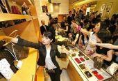 发改委:中国消费增长受制于收入和供给