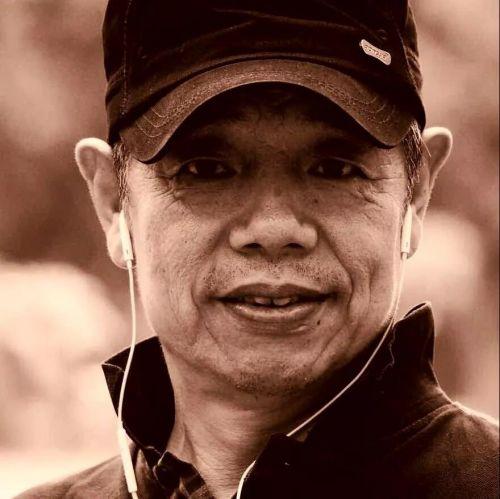 ▲海南知名摄影家洪顺祺