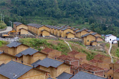 3、四川省乐山市马边县白杨槽村集中安置点现场