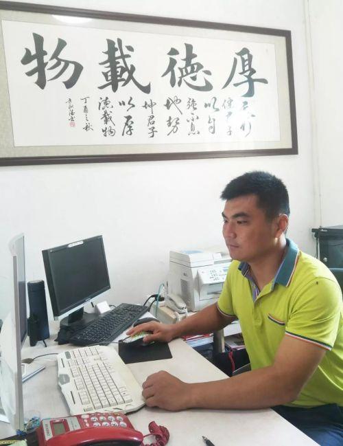 ▲海南快乐成长学校校长李寿果