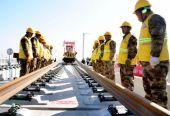 京张高铁全线铺轨工程正式拉开序幕