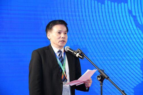 上海市商务委员会副巡视员徐文杰到场祝贺。邱爱荃 摄