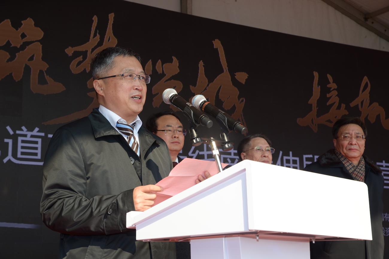 奉贤区区委常委、副区长连正华介绍说,5号线南延伸工程项目总投资103