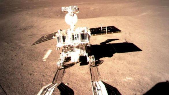 嫦娥四号着陆器与巡视器成功分离