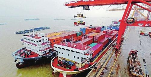 长江干线监管构建长效机制 严防非法码头反弹和死灰复燃