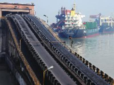长江非法码头和非法采砂专项整治成效明显