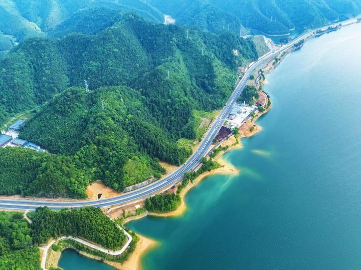 全国首个流城生态补偿试点在新安江流域开展