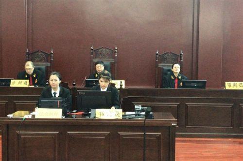 中院党组书记、院长陈永刚带头审理疑难复杂案件
