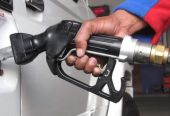 """油价开年""""三连涨"""" 92号汽油每升涨4分"""