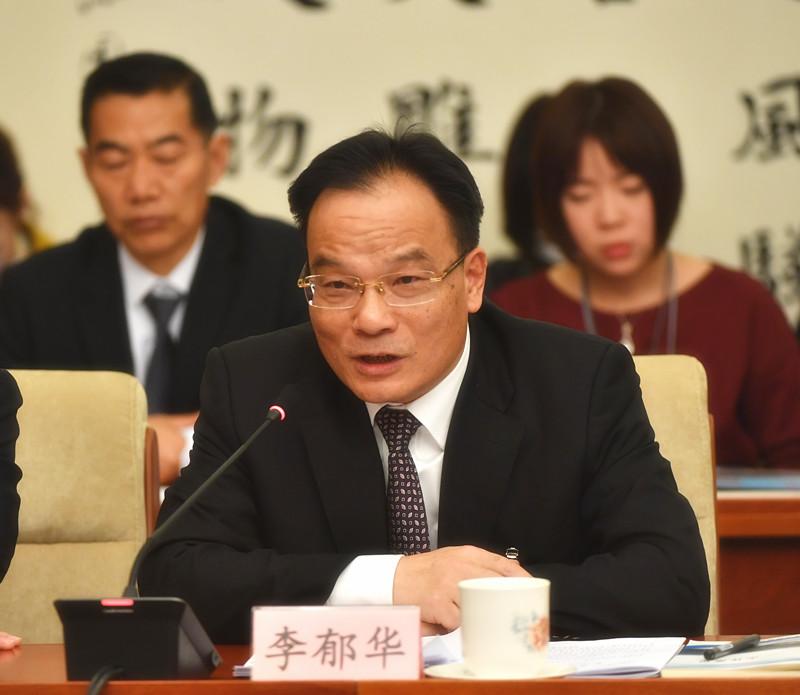 全国人大代表、宁夏石嘴山市市长李郁华