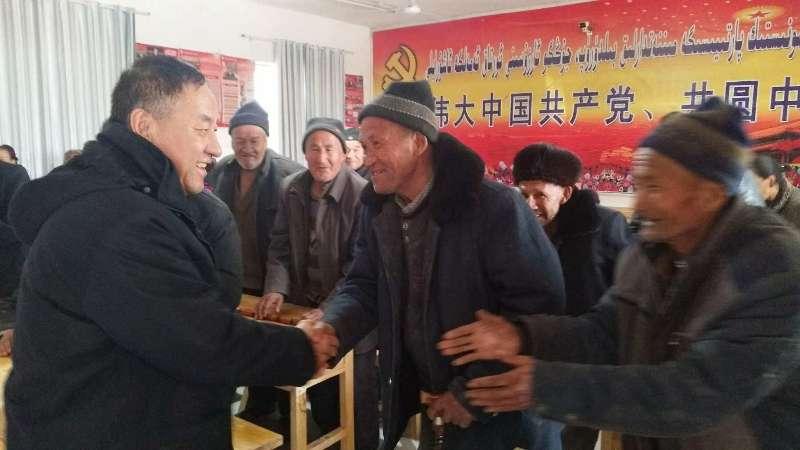 新疆春节:民族团结情谊浓