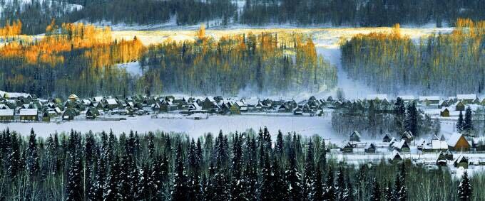 冬季图瓦人村落新疆禾木