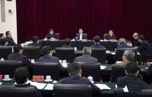 韩正听取长江保护修复攻坚战工作和长江经济带生态环境问题整改情况汇报