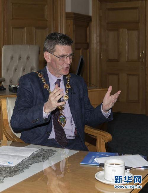 """(国际·图文互动)(2)专访:保持英爱边境开放对北爱地区""""至关重要""""——访英国北爱尔兰边境城市德里市市长"""