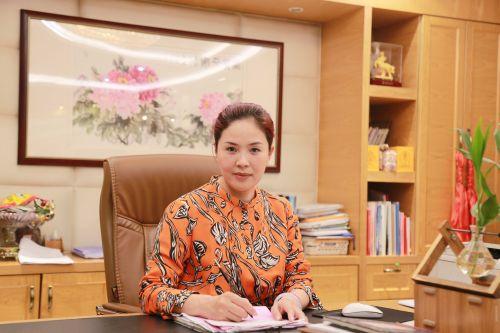 鼎发供应链总经理卢丽燕接受中国经济导报记者专访。沈贞海 摄