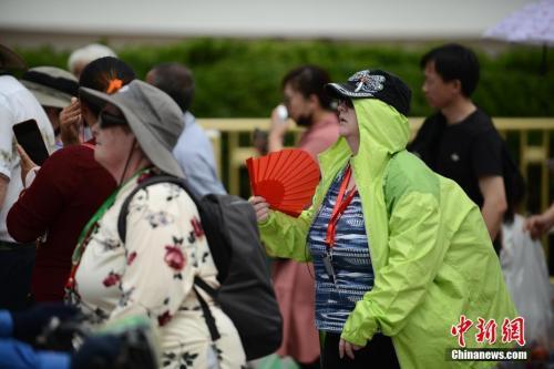 """北方开启""""炙烤模式"""" 多地高温刷新5月最热纪录"""