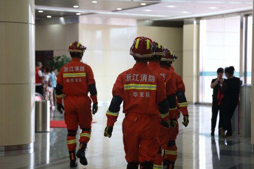 金华消防在场馆内巡逻、保障安全。中国经济导报 记者沈贞海 摄