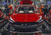 """特斯拉在华或建新工厂 马斯克调侃称开传统车如""""骑马用翻盖手机"""""""