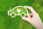 新能源汽車高補貼成過去式 新能源車暫別高增長 進入淘汰賽