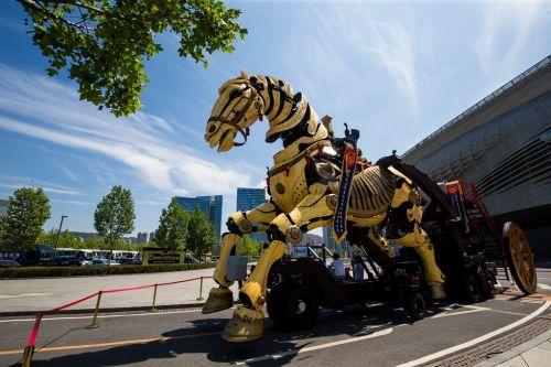 达沃斯会场外展出的大连木牛流马机器人