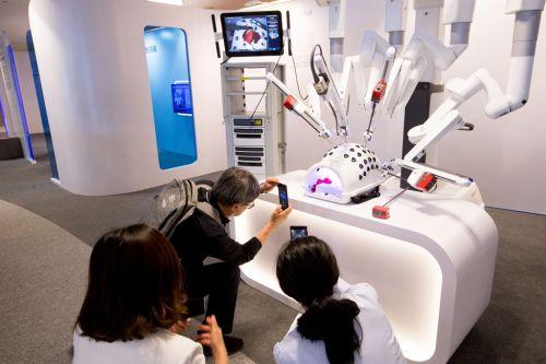 未来医院的机械手可以进行微创手术