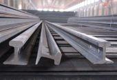 鞍钢首次出口12.8米定尺欧洲标准钢轨6000吨