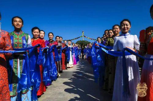 240辆重机燃情驰骋锡林郭勒 践行环保在行动