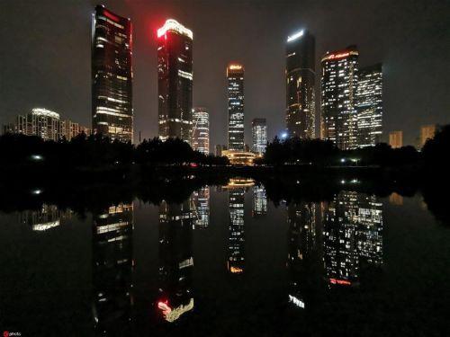 2019年7月31日,北京,望京CBD夜景灯火璀璨。来源:东方IC