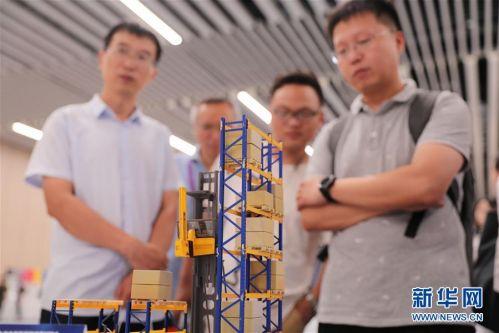 (经济)(3)第二届进博会装备展区展前供需对接会举行
