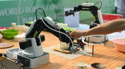 参赛机器人剪影