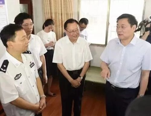 湖南省委书记杜家毫赴邵阳调研指导推广(一村一辅警)工作