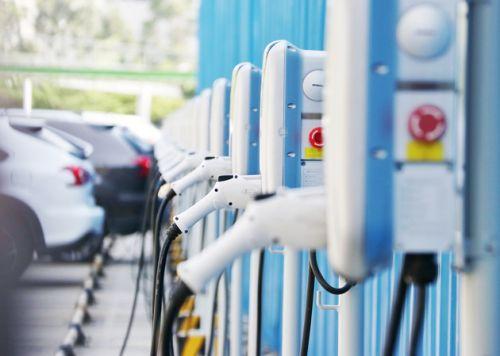 """预警供应链断裂风险 新能源汽车加速去""""空心化"""""""