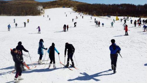 岱海国际滑雪场 乌兰察布市委宣传部/供图