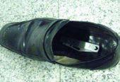 男子鞋内藏刀过机场安检被查:罚款并取消当日乘机资格