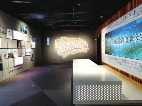 """通达之城:奉贤正大力构建""""内畅外联""""的交通体系,交通工具的革新与出行方式的变迁。"""