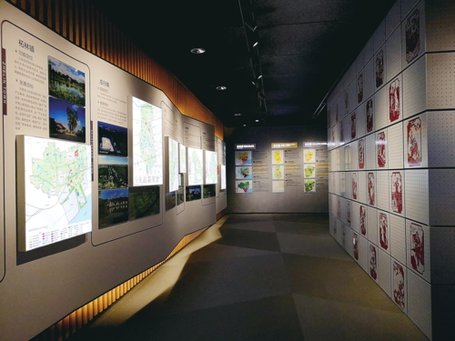乡村振兴:奉贤作为上海乡村振兴的重要战场,乡村发展备受关注。该空间主要展示了各地区示范性项目。