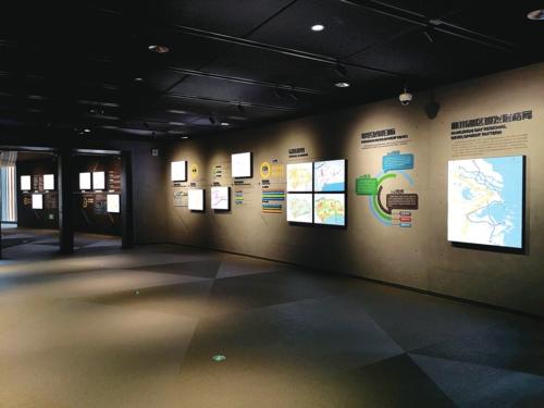 区域总规:以奉贤区2035总体规划为总纲,展区从城乡体系、空间结构、土地规划、综合交通、生态空间、公共服务等全方位解读奉贤规划蓝图。
