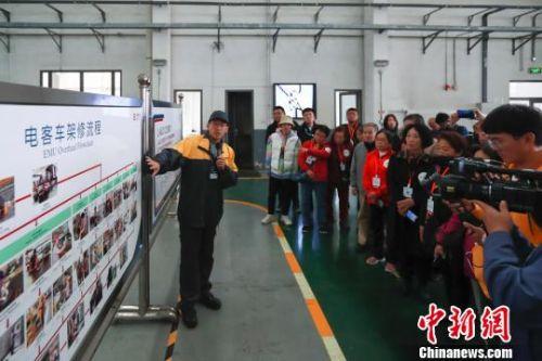 2019年10月21日,北京市交通委與京港地鐵在4號線馬家堡車輛段舉辦乘客開放日活動。 賈天勇 攝