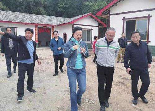王正到相关县蹲点调研。    四川省发展改革委/供图