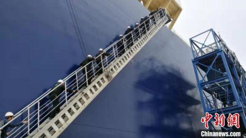 新一代中国制造LNG船天枢星号首航推动冰上丝绸之路建设