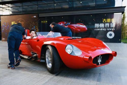 本届进博会上有5辆来自美国的古董车